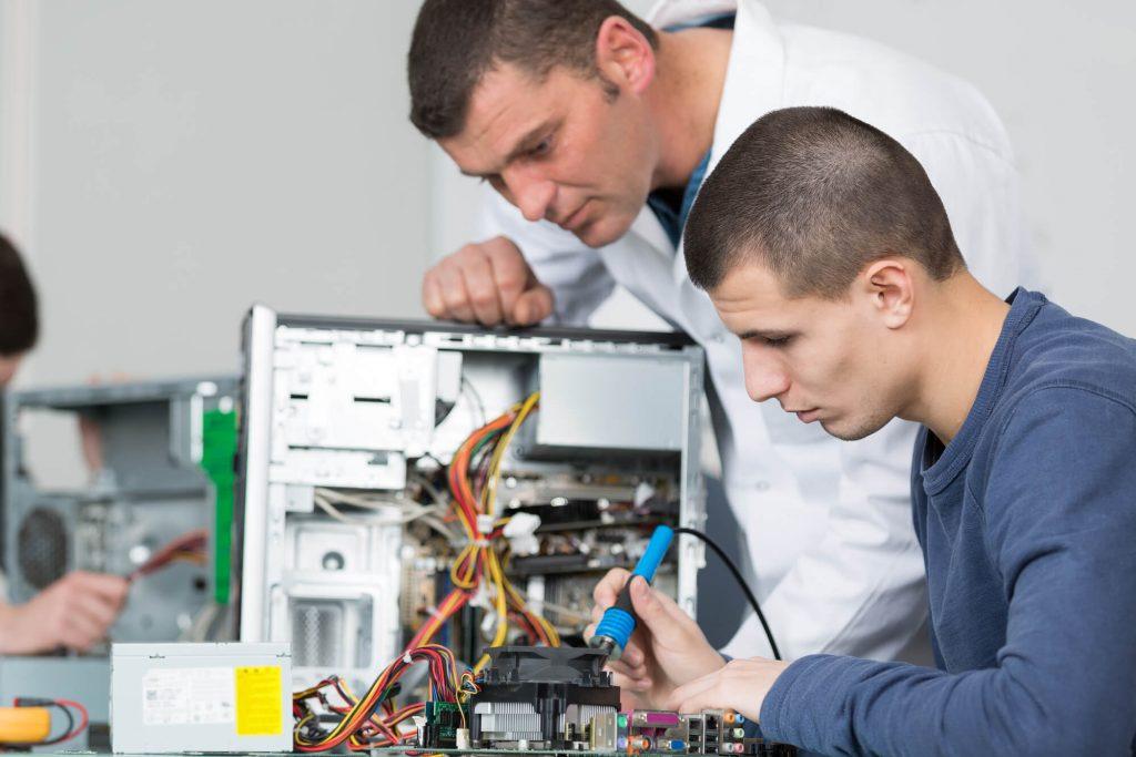 10 cursos tecnicos com maiores salarios no Brasil