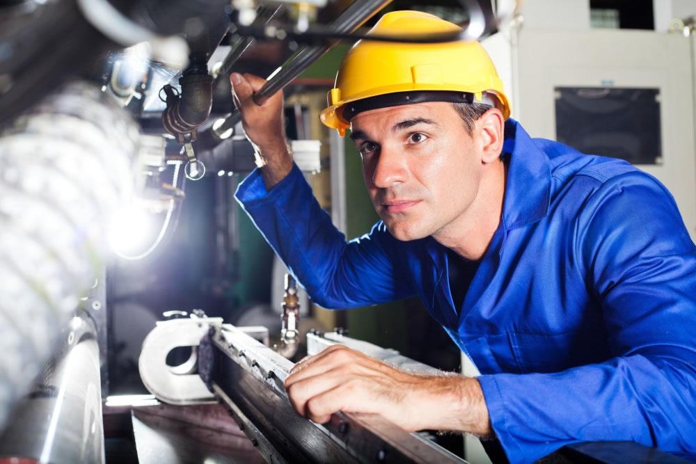 Tecnico mecanica - 10 cursos tecnicos com maiores salarios no Brasil